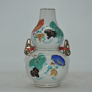 五龙粉彩瓷瓶