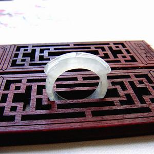 证  天然缅甸高冰种翡翠戒指