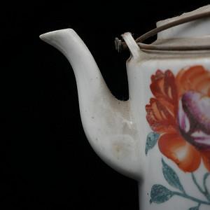 民间的瓷水壶