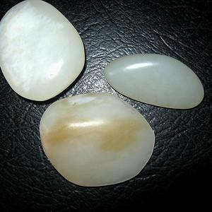 和田白玉原石3块