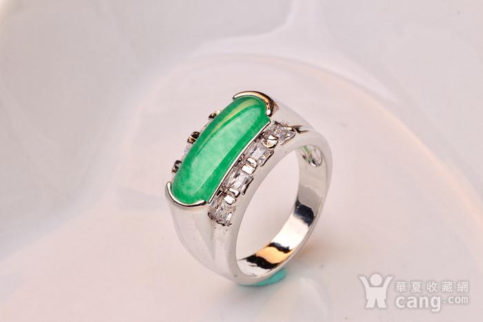 925银款厚金工艺镶嵌戒指帝王绿色,满色辣绿,工艺精湛,佩戴尽显您的高图1