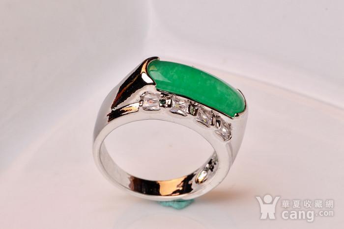925银款厚金工艺镶嵌戒指帝王绿色,满色辣绿,工艺精湛,佩戴尽显您的高图3
