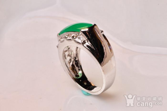 925银款厚金工艺镶嵌戒指帝王绿色,满色辣绿,工艺精湛,佩戴尽显您的高图5