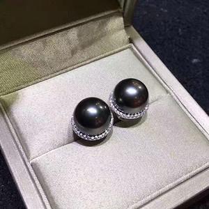 天然黑珍珠耳钉