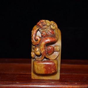 晚清时期寿山石精雕螭龙老印章