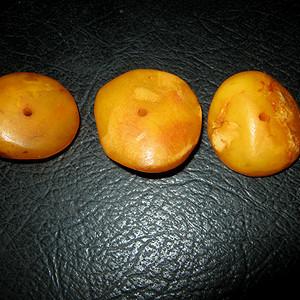 联盟 百年原矿波罗的海蜜蜡饼子3个