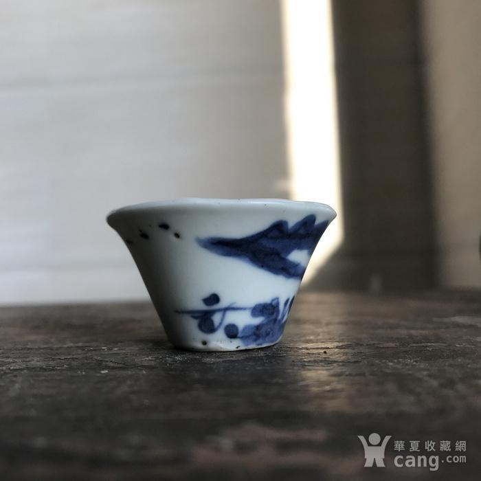 清 青花山水人物马蹄杯图4