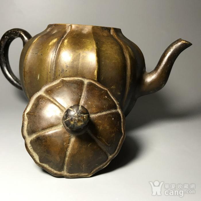 清 瓜棱形铜壶一把图8