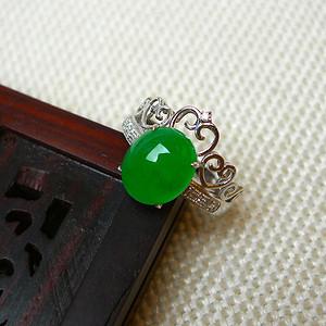 品牌商家 A货冰种翡翠精美绿色蛋形玉面皇冠18K金伴钻戒指