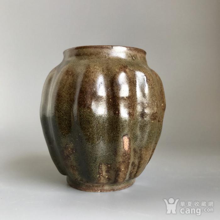 精品古瓷 明清茶叶末釉瓜棱小罐一只图1