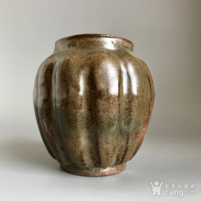 精品古瓷 明清茶叶末釉瓜棱小罐一只图2