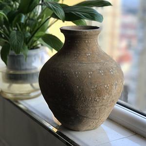 彩绘陶瓶一只