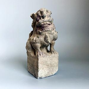 精品重器 收藏级古石雕 清代案头石狮一只