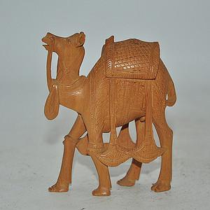 几十年印度檀香木雕刻骆驼