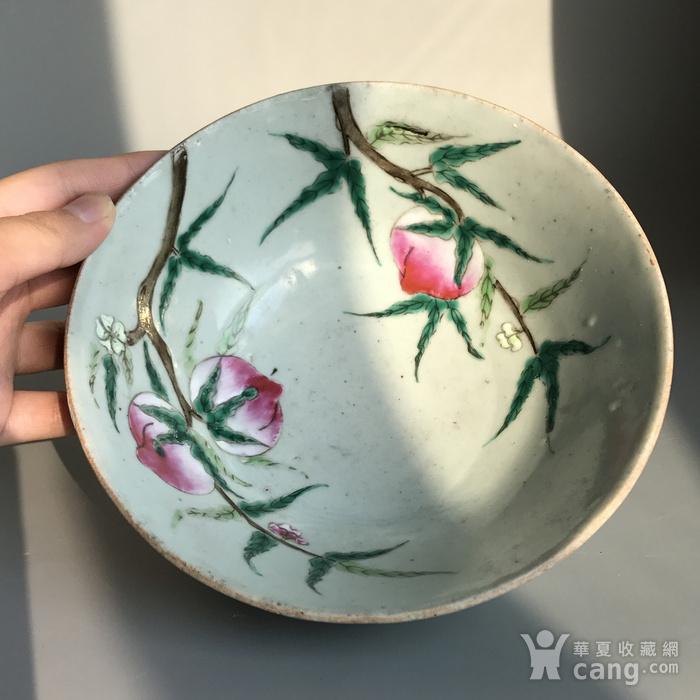 精品收藏级明清瓷器 清代豆青加彩仙桃大碗一只图8