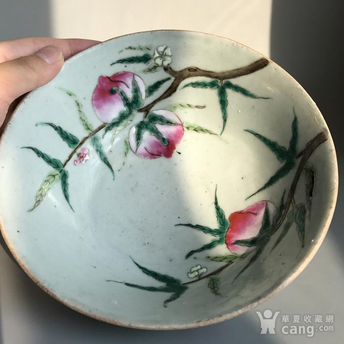精品收藏级明清瓷器 清代豆青加彩仙桃大碗一只图9
