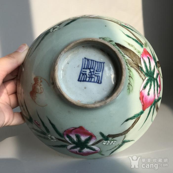 精品收藏级明清瓷器 清代豆青加彩仙桃大碗一只图10