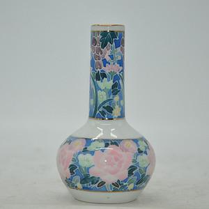 粉彩小花瓶