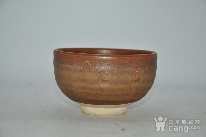 日本春山款酱釉茶碗图2