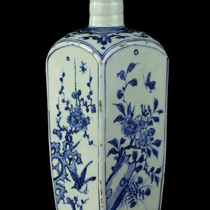 59清早期青花四季花卉纹长颈四方瓶
