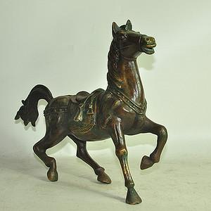 几十年铸铜战马