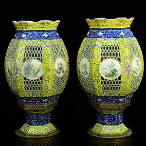 欧美回流 极美一对清光绪黄地粉彩缠枝莲福寿纹瓷灯笼