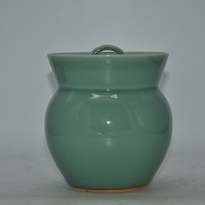 玉堂窑绿釉瓷罐
