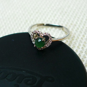 925镶钻冰种满绿精美戒指
