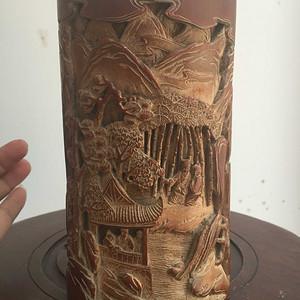 竹雕刻人物山水笔筒