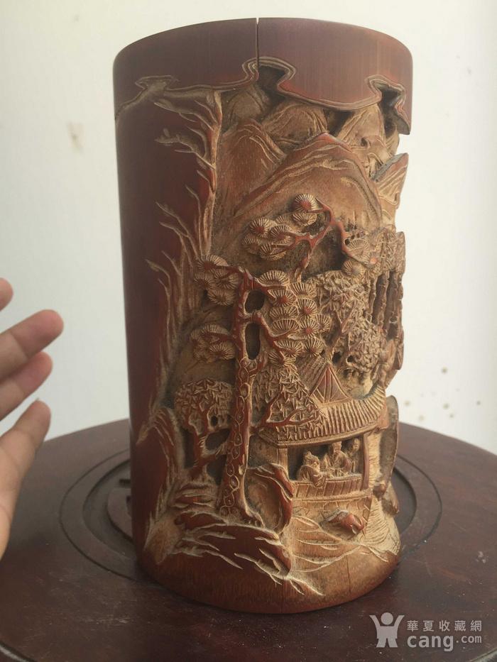 竹雕刻人物山水笔筒图2