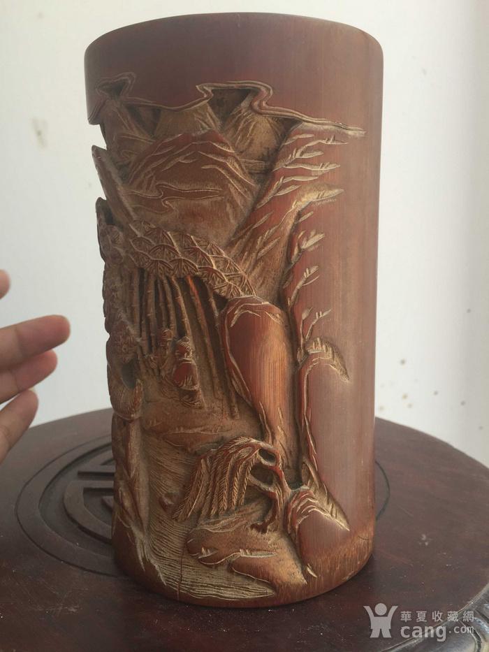 竹雕刻人物山水笔筒图3