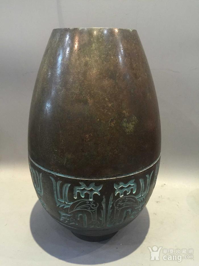 龙凤纹铜橄榄尊图5