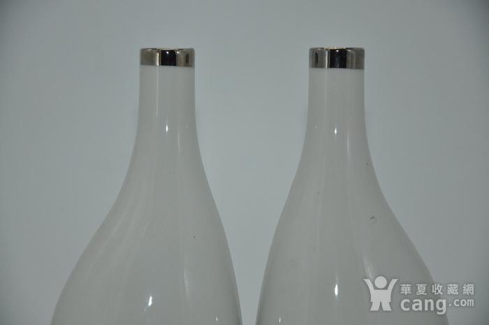 白瓷瓶一对图2