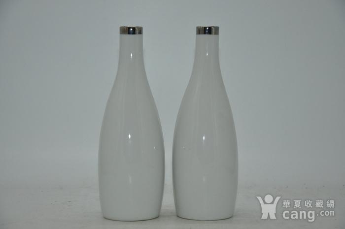 白瓷瓶一对图5