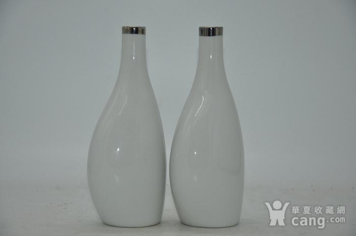 白瓷瓶一对图6