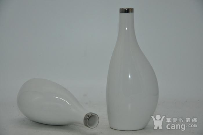 白瓷瓶一对图7