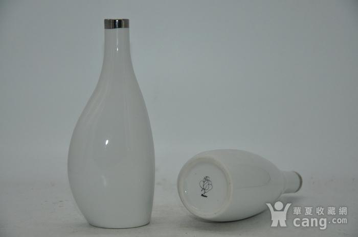 白瓷瓶一对图8