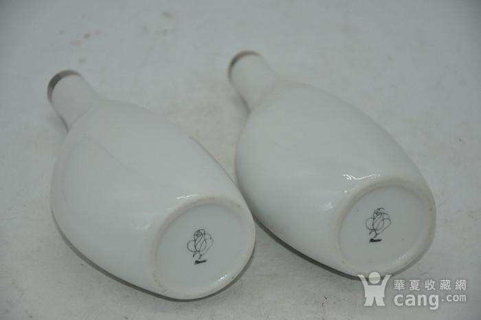 白瓷瓶一对图10