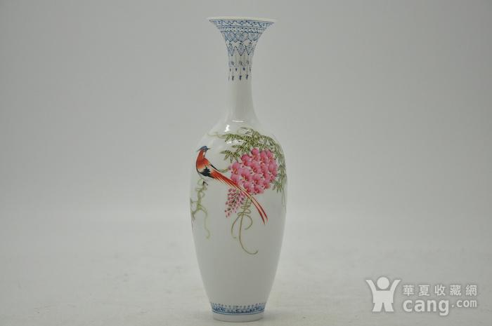 花鸟粉彩薄胎小瓷瓶图1