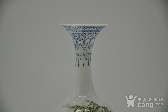 花鸟粉彩薄胎小瓷瓶图4