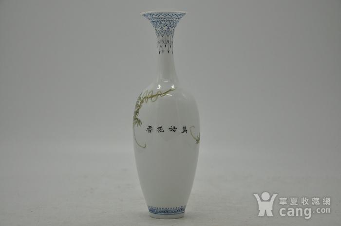 花鸟粉彩薄胎小瓷瓶图3