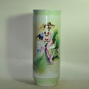2002年王国华人物粉彩瓷瓶