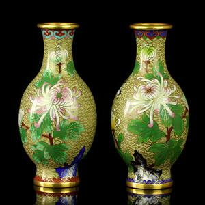 6民国洞石花卉纹铜胎珐琅瓶一对
