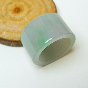 冰种带绿戒指