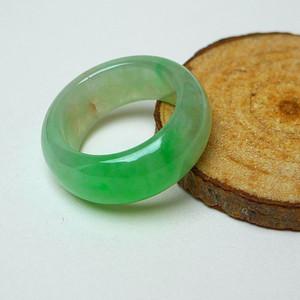 冰种带阳绿戒指
