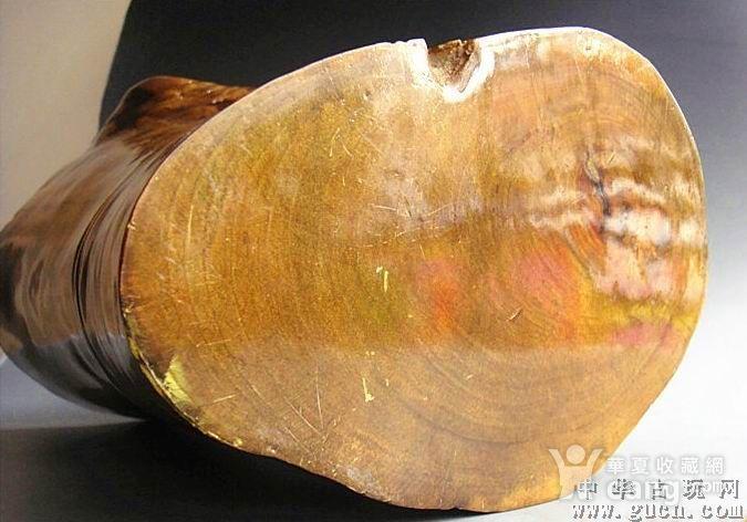非洲酸枝黄金檀笔筒图3
