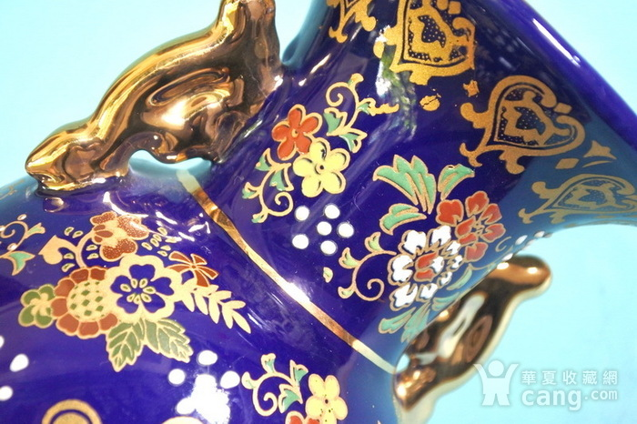 出口瓷,堆料描金侍女双耳瓶图8