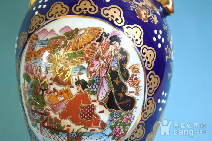 出口瓷,堆料描金侍女双耳瓶图10