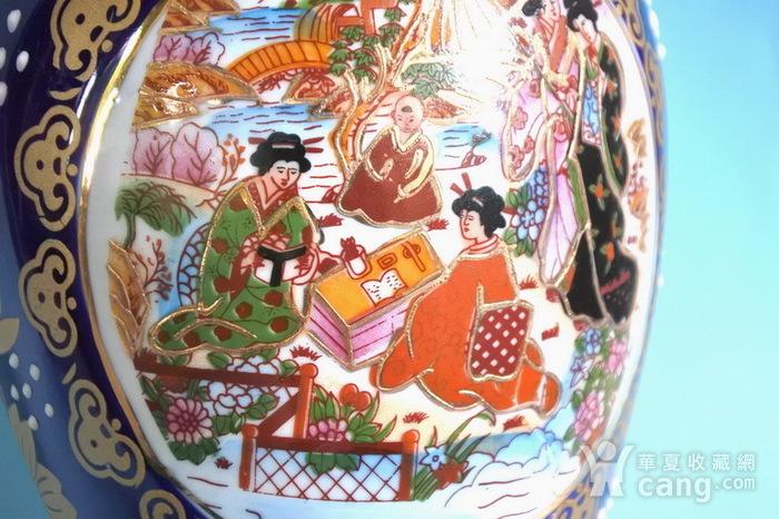 出口瓷,堆料描金侍女双耳瓶图11