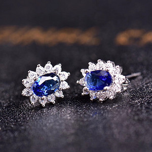 炫彩蓝宝石耳钉
